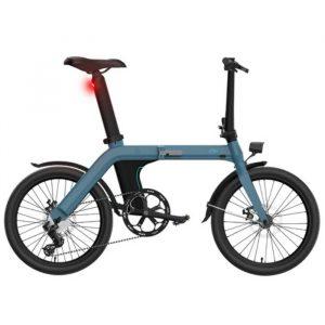 bici elettrica azzurra con molte funzioni